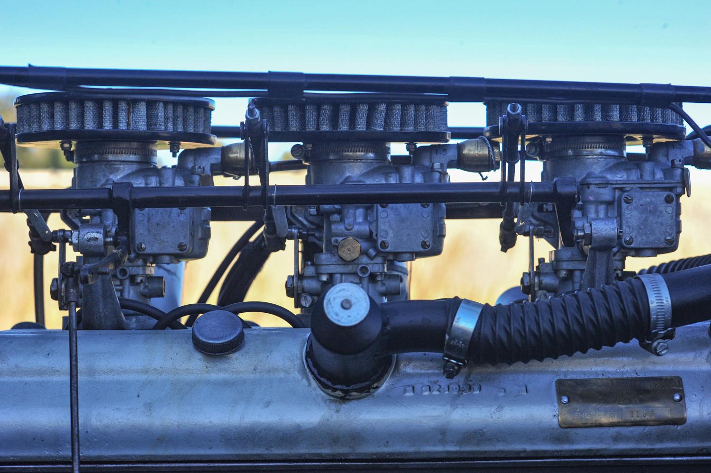 BMW 328 triple carb setup