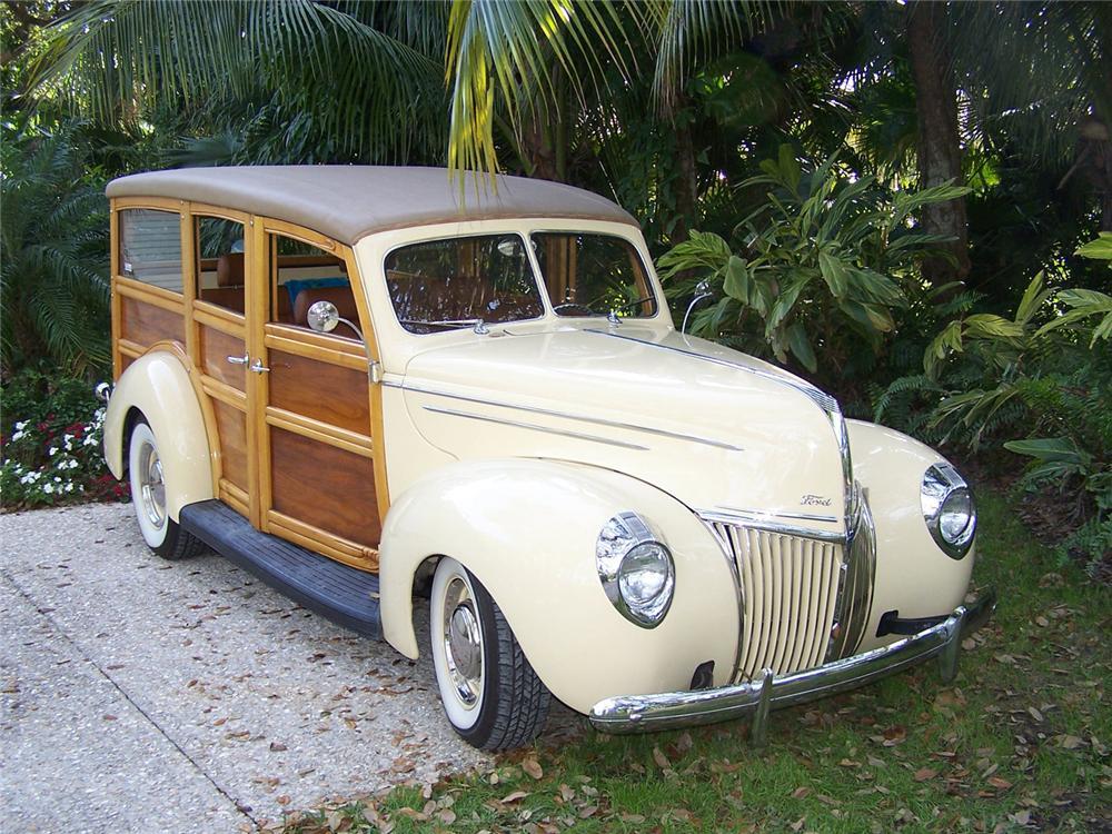 """1939 Ford """"Woody Wagon"""""""