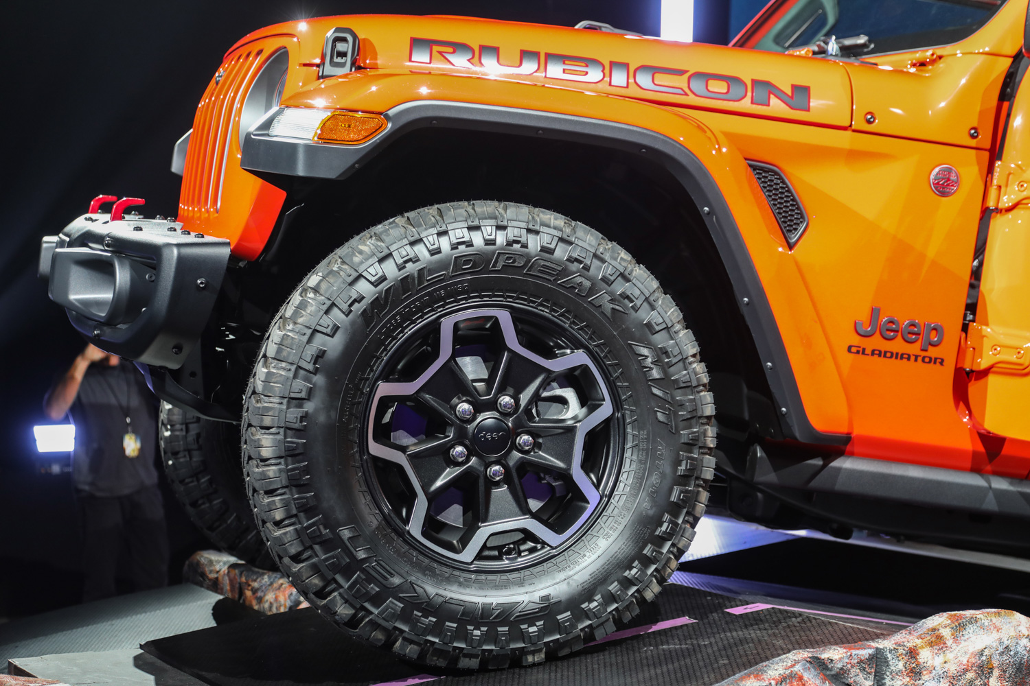 2020 Jeep Gladiator front wheel tire