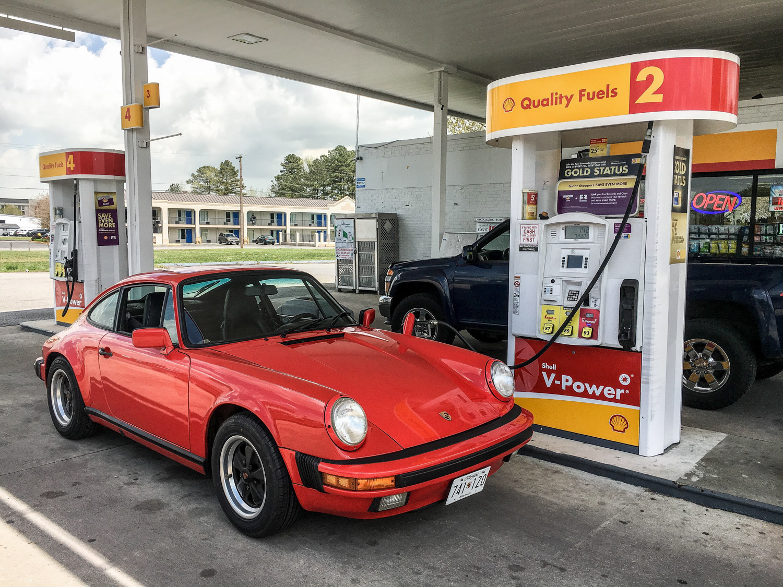 gas pump porsche