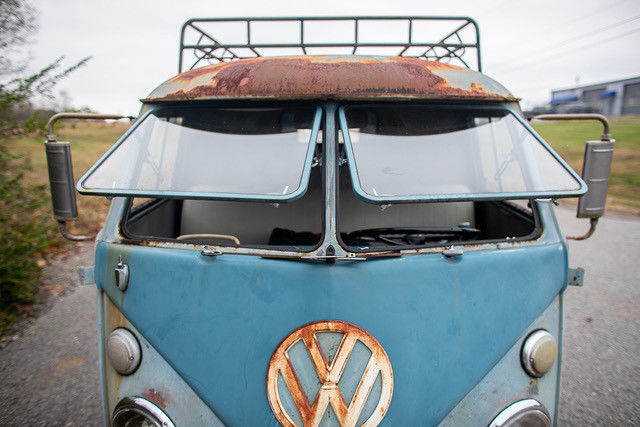 1962 Volkswagen Vanagon windows up
