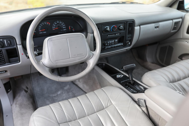 1996 Chevrolet Impala SS steering wheel dash