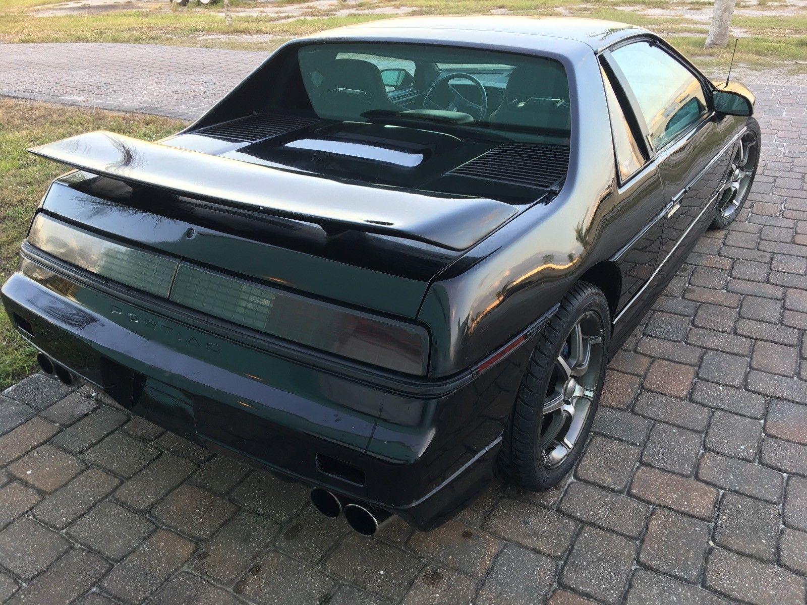 1986 Pontiac Fiero rear 3/4