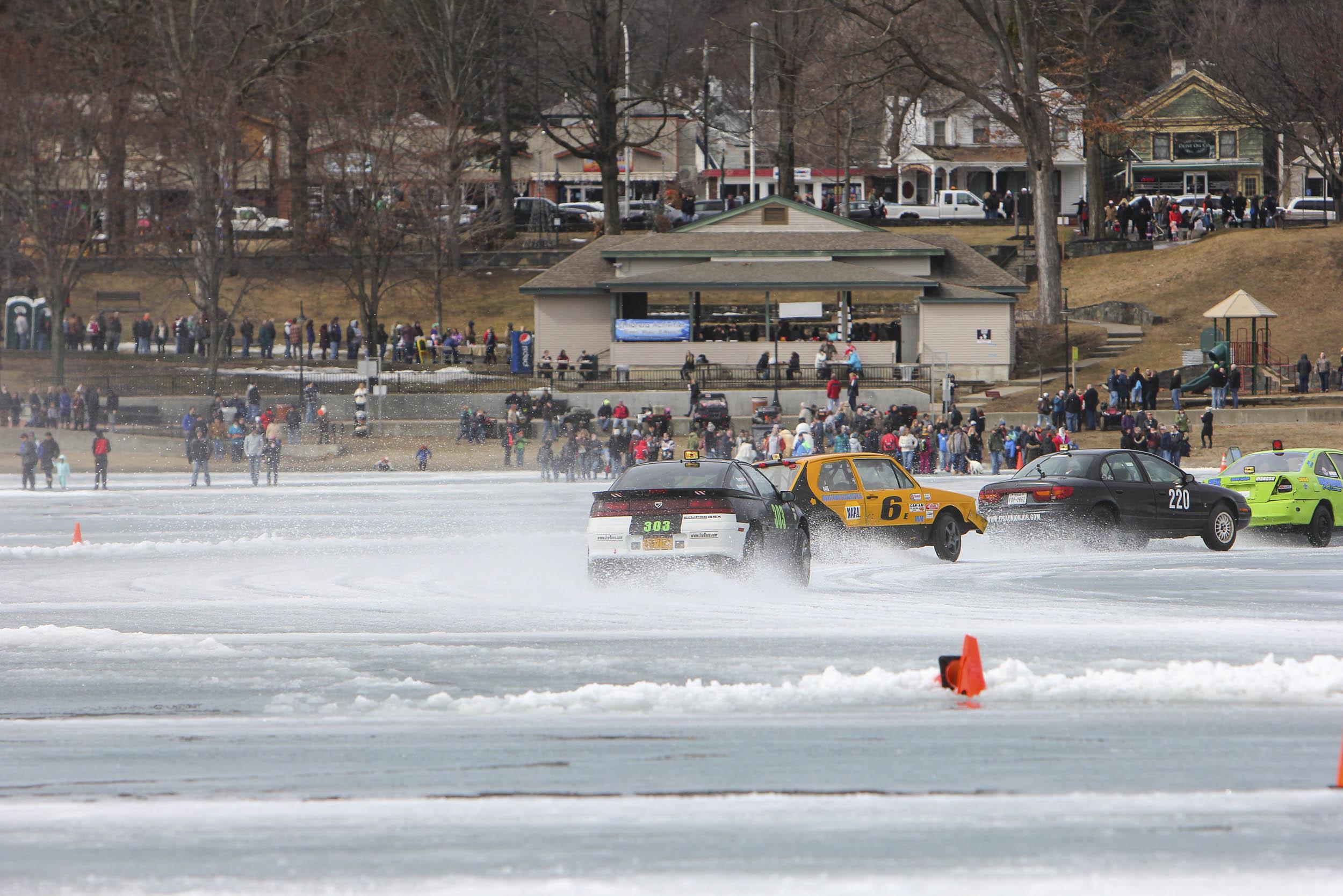 ice racing draws a crowd