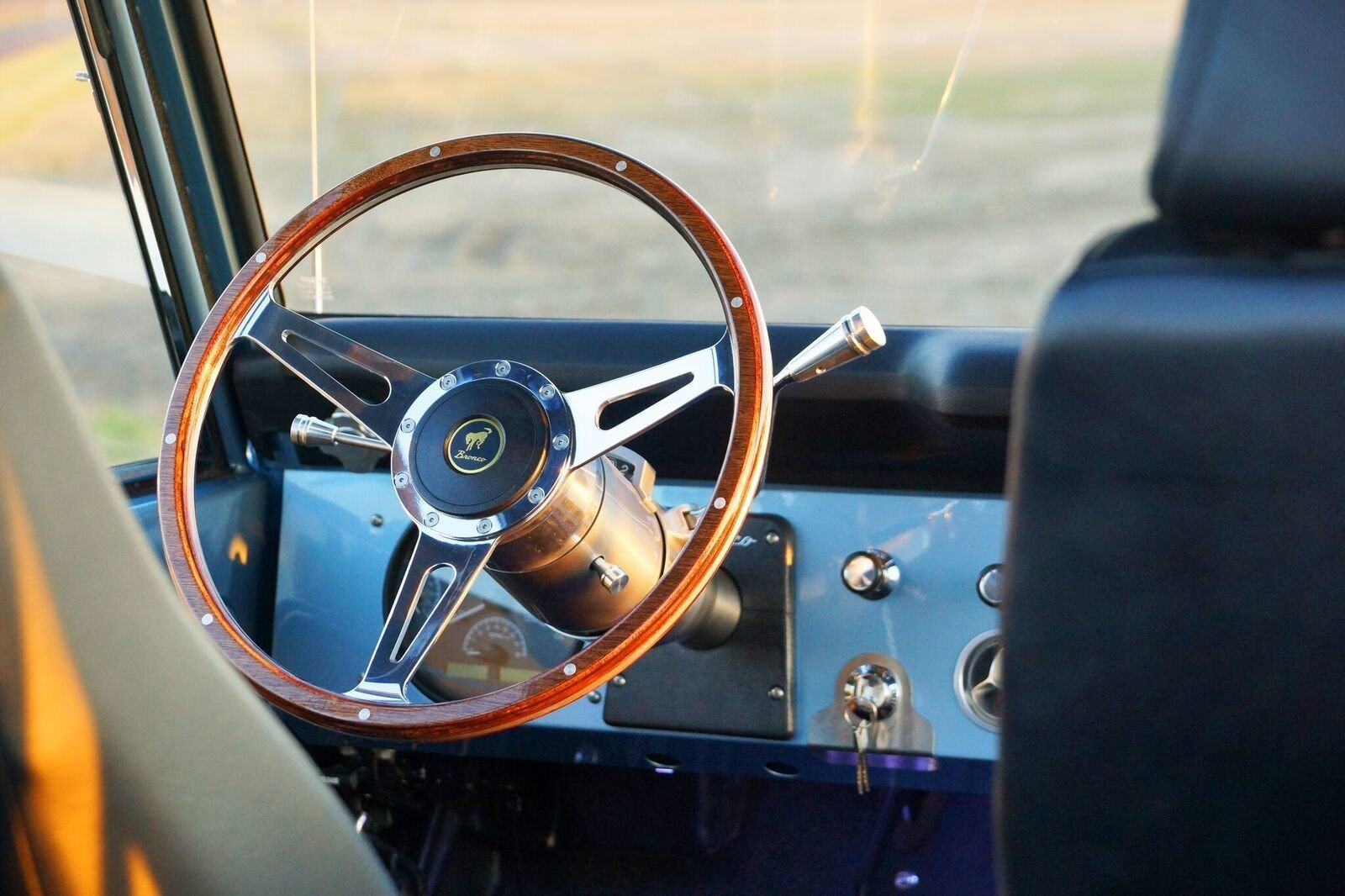 Gateway Bronco steering wheel detail