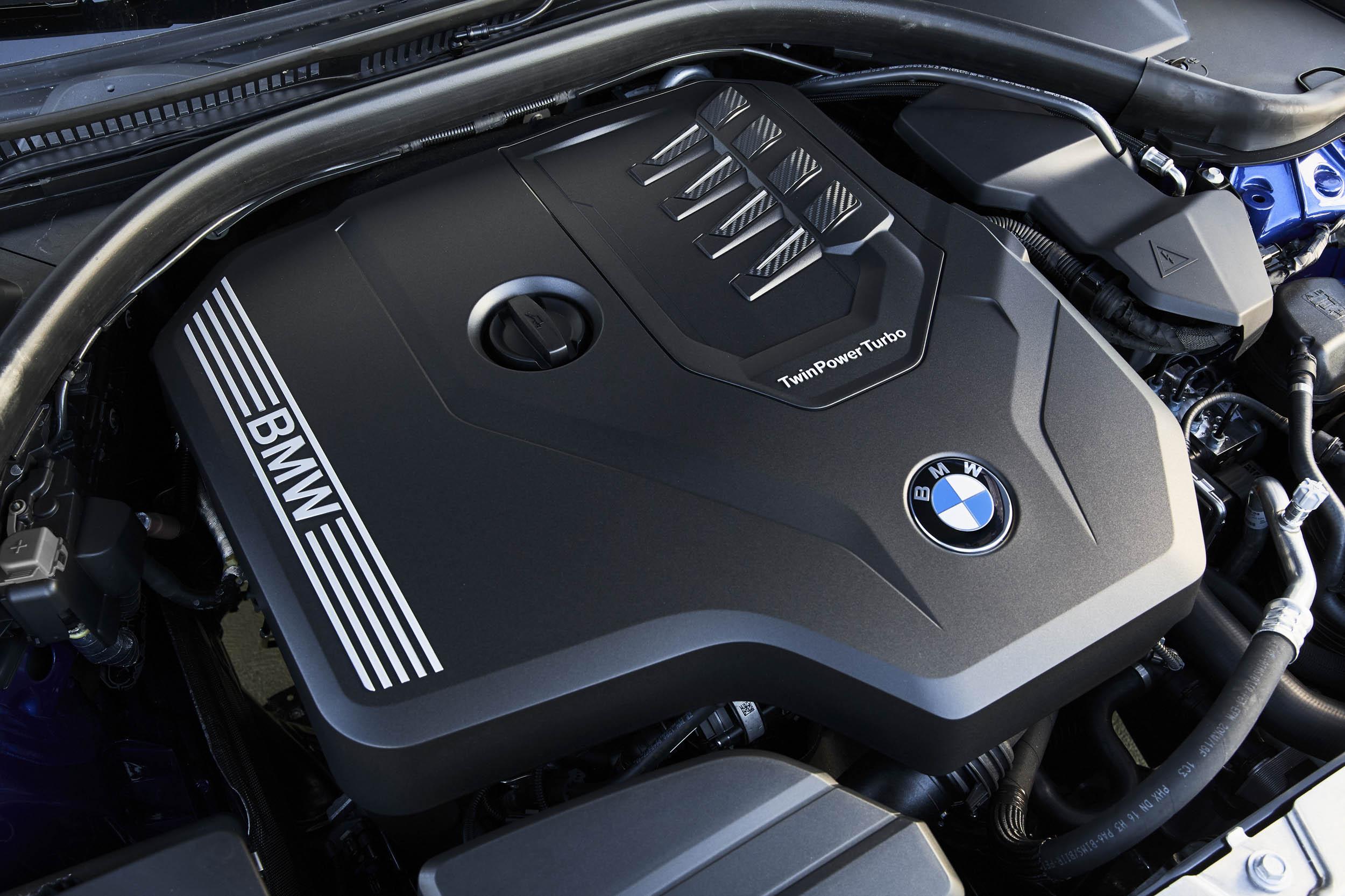 2019 BMW 330i M Sport engine