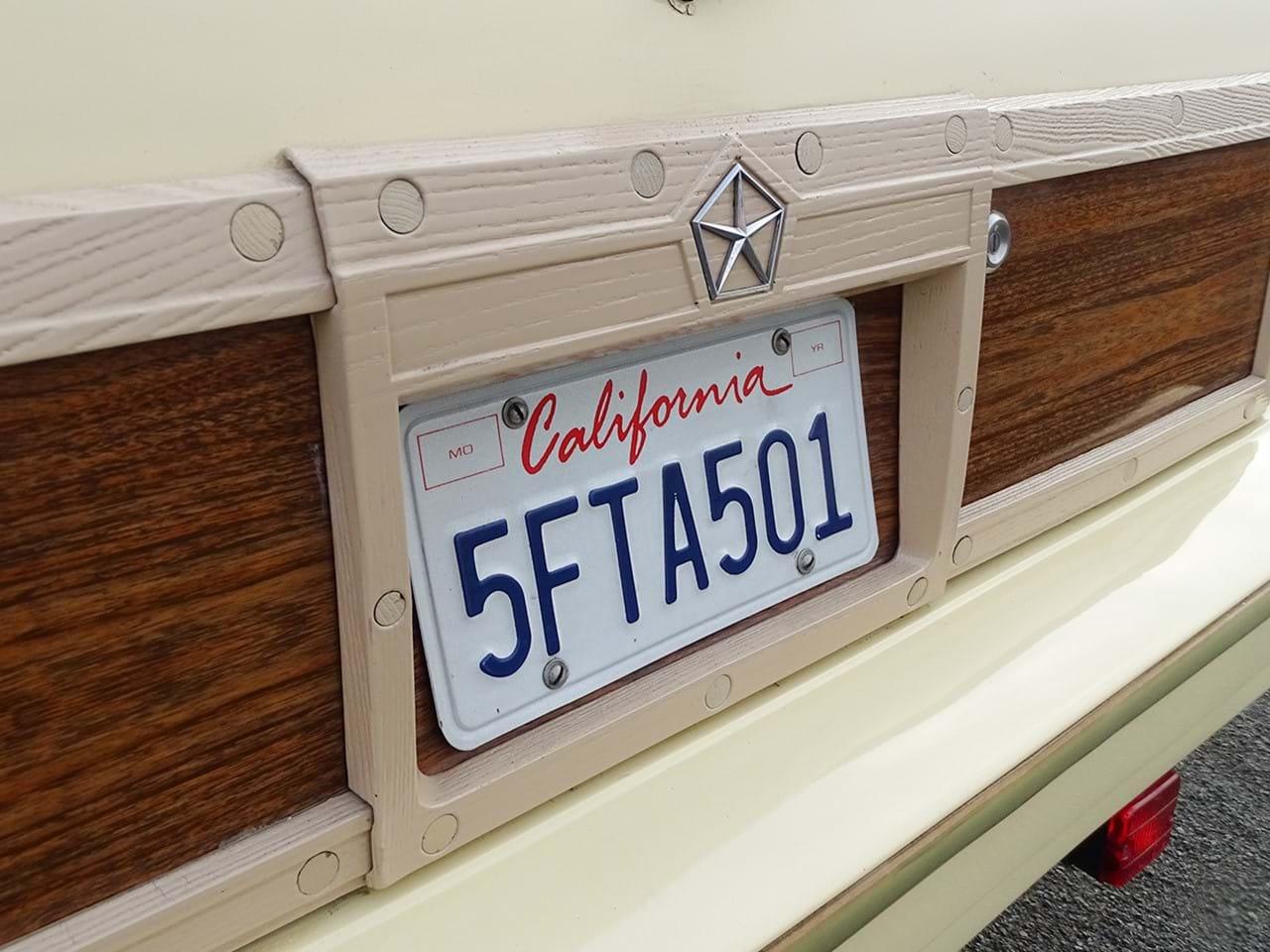 1985 Chrysler LeBaron Town and Country Wagon license plate
