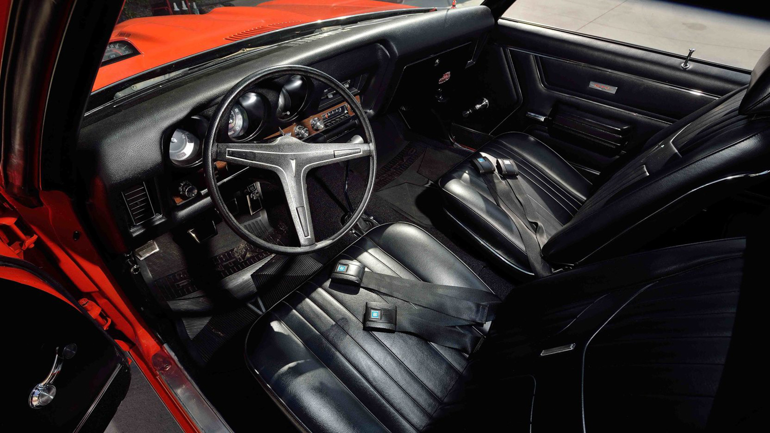 1969 Pontiac GTO Judge interior steering wheel