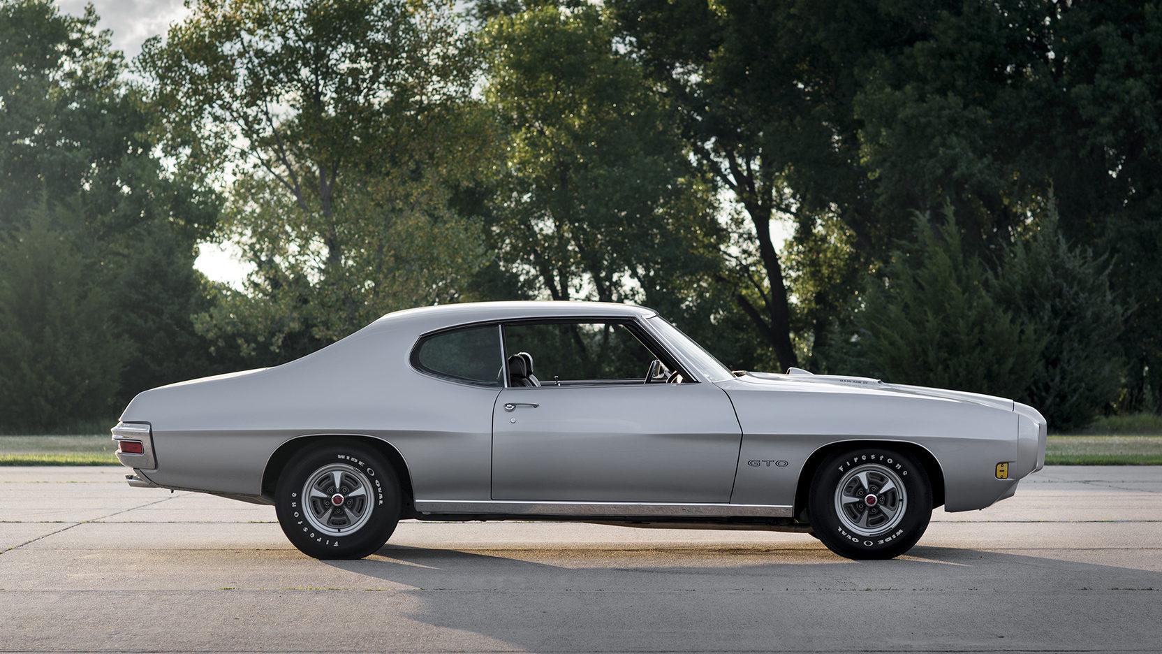 1970 Pontiac GTO Ram Air IV passenger side profile
