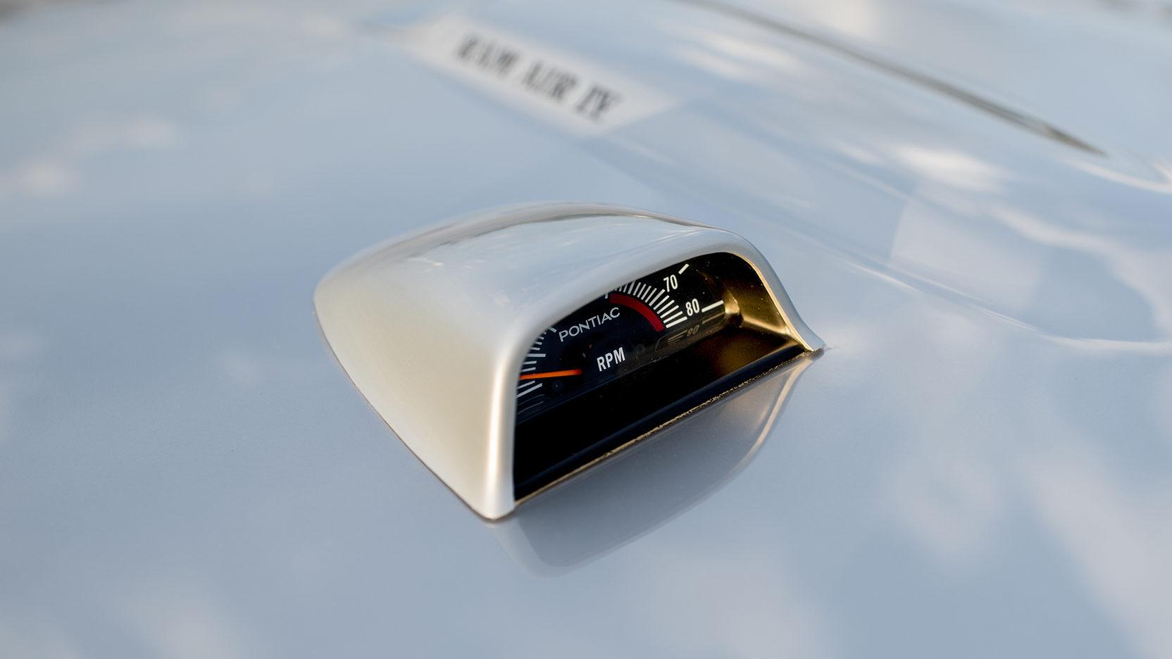 1970 Pontiac GTO Ram Air IV tach rpm