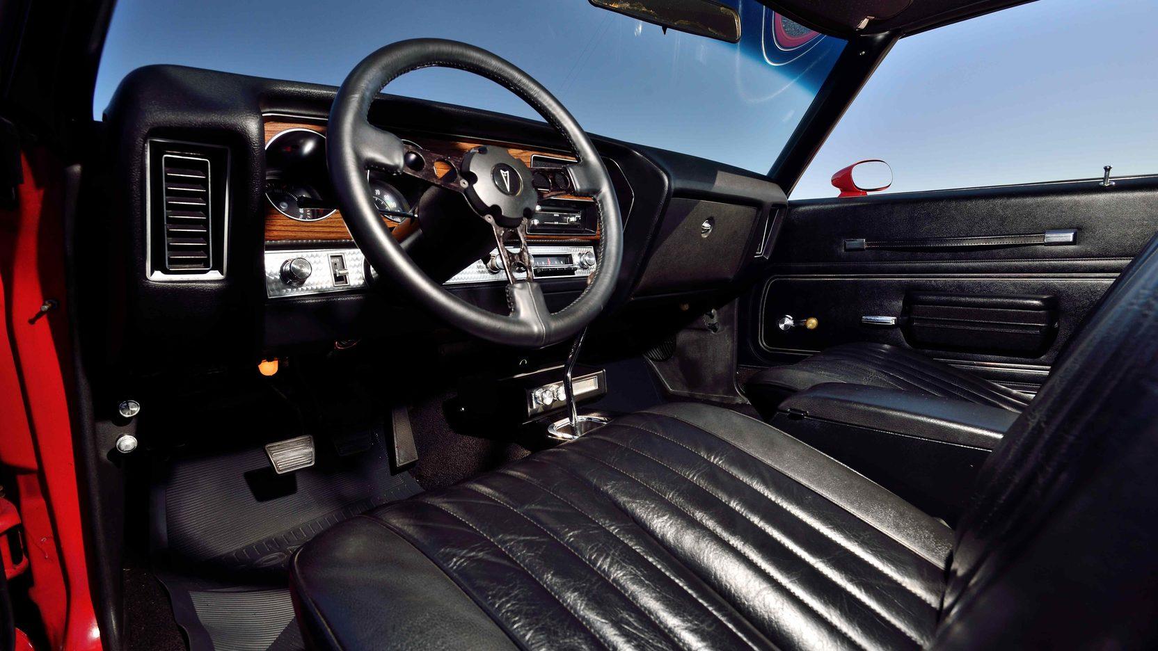 1972 Pontiac GTO interior drivers