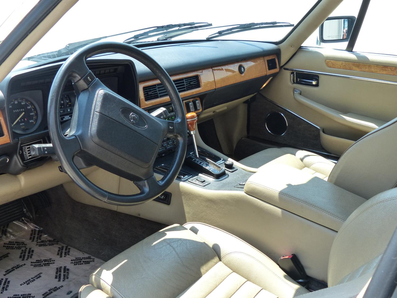 1990 Jaguar XJ-S interior driver