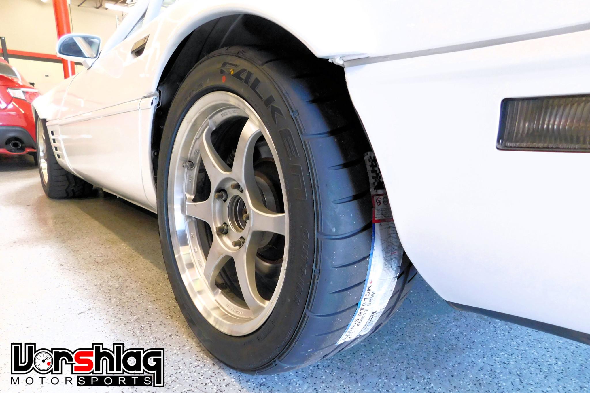 1992 Chevrolet Corvette wheels detail