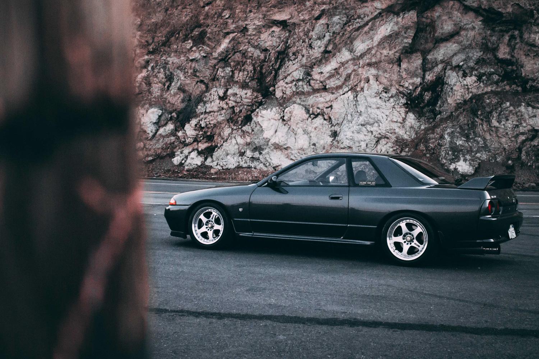 1992 Nissan Skyline GT-R side profile
