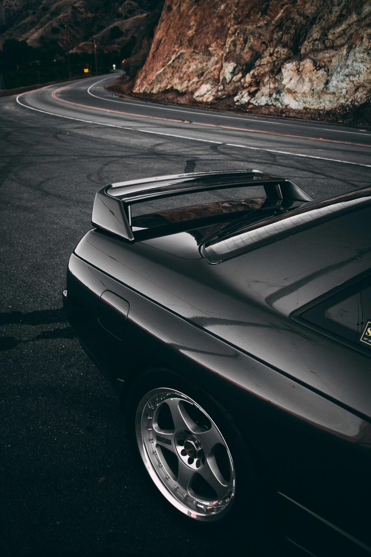 1992 Nissan Skyline GT-R rear 3/4