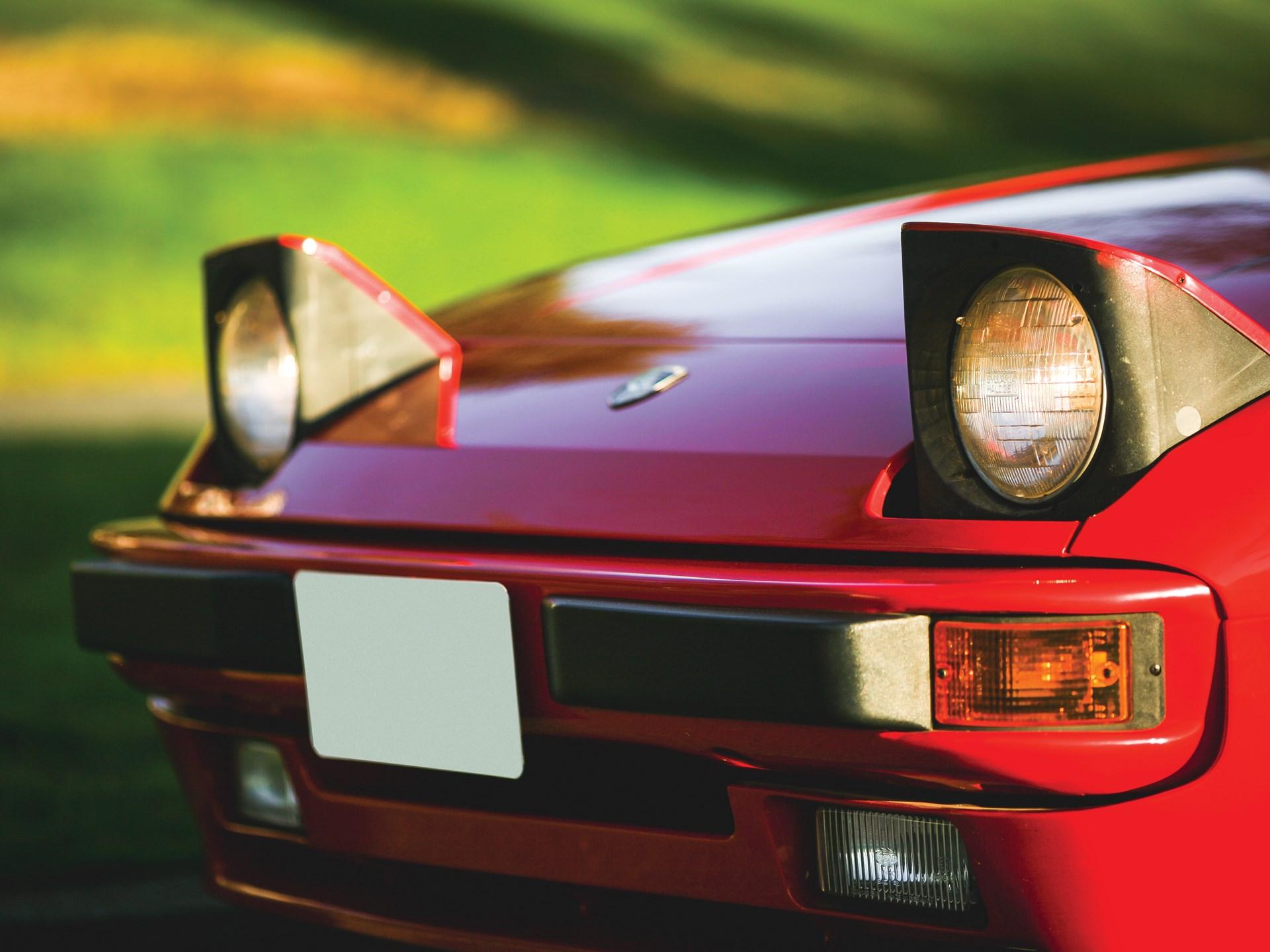 1984 Porsche 944 headlights up
