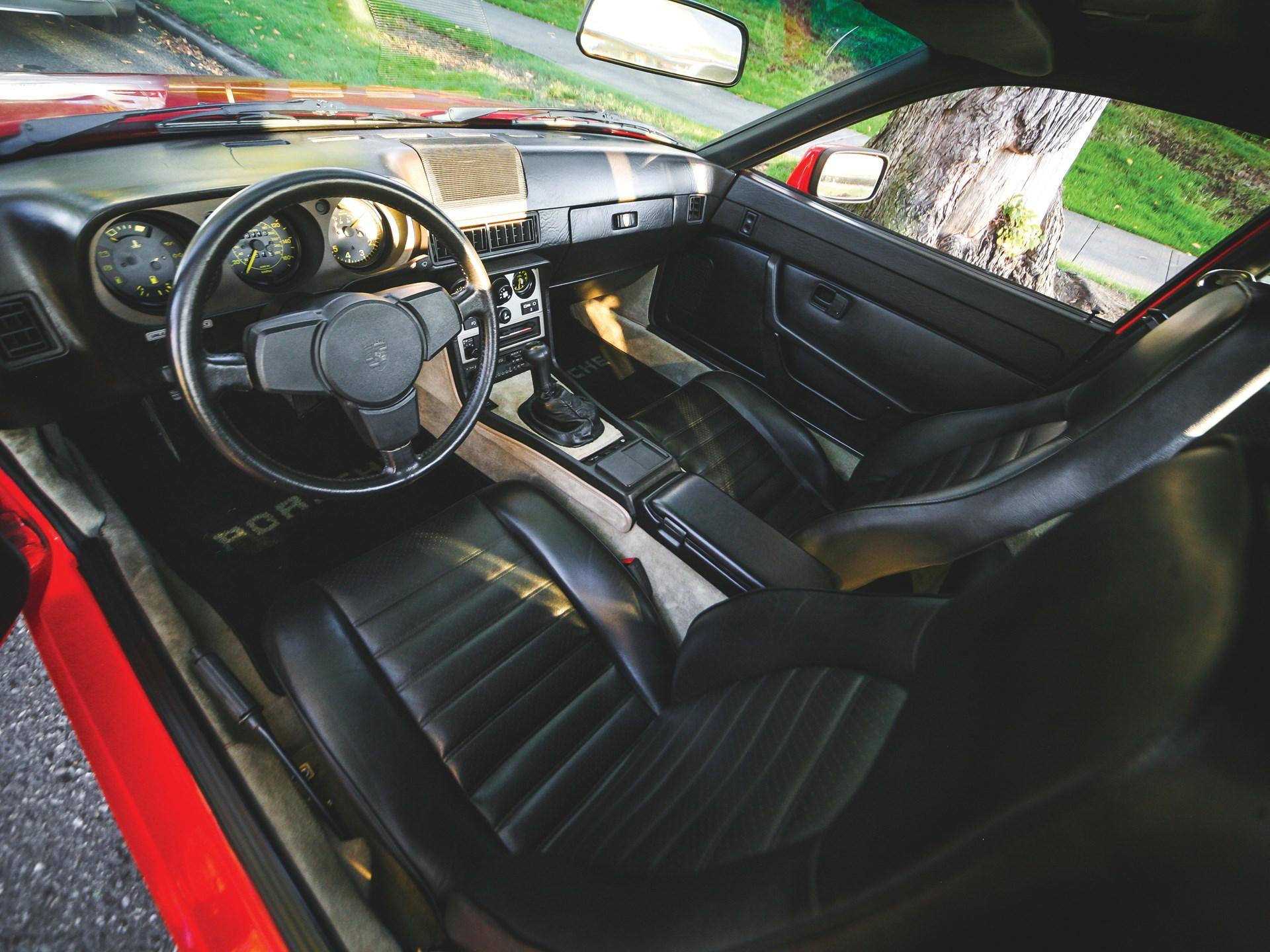 1984 Porsche 944 interior drivers side