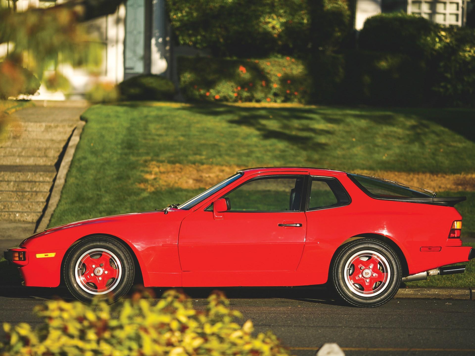 1984 Porsche 944 side view