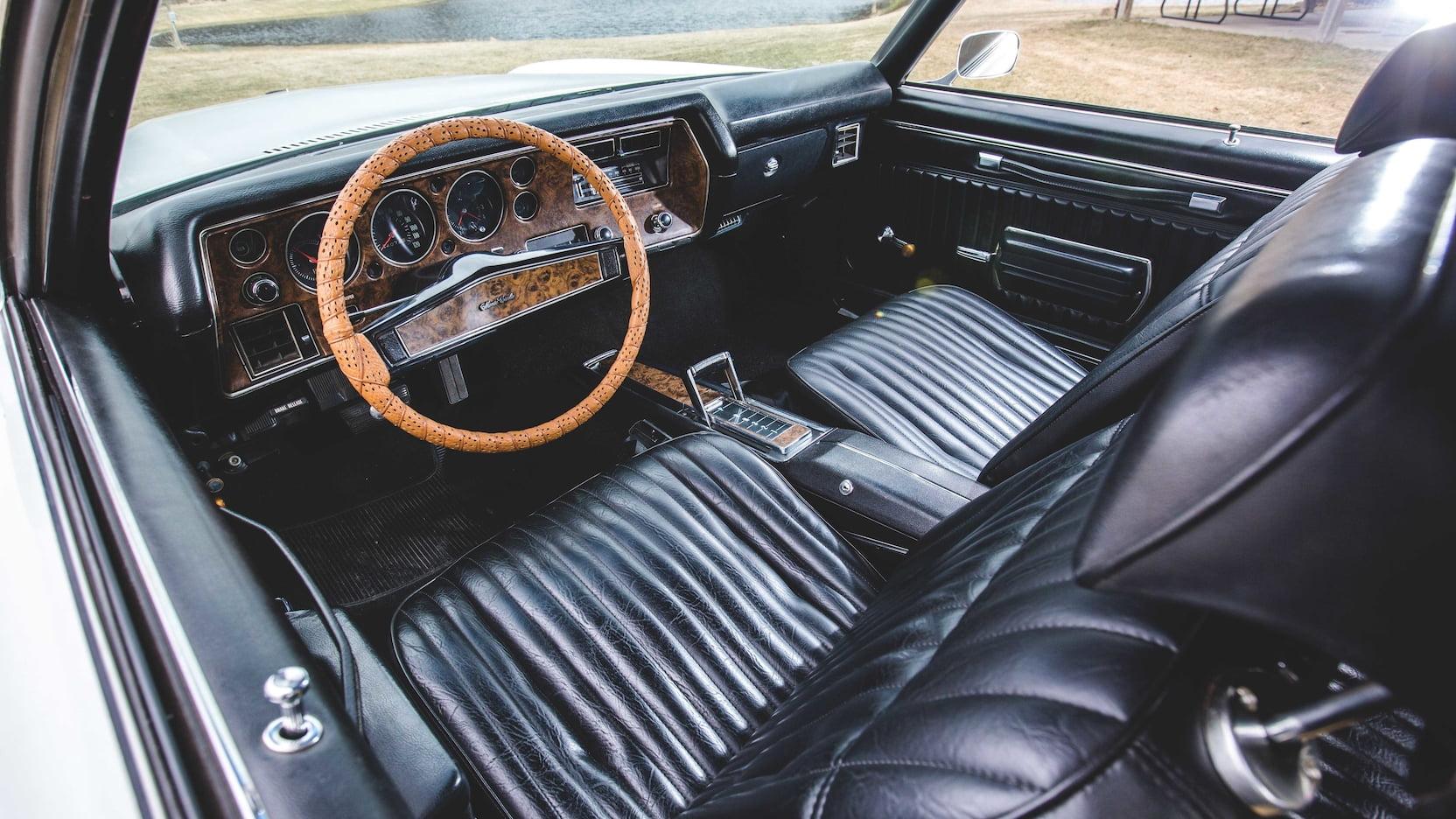 1970 Chevrolet Monte Carlo SS interior