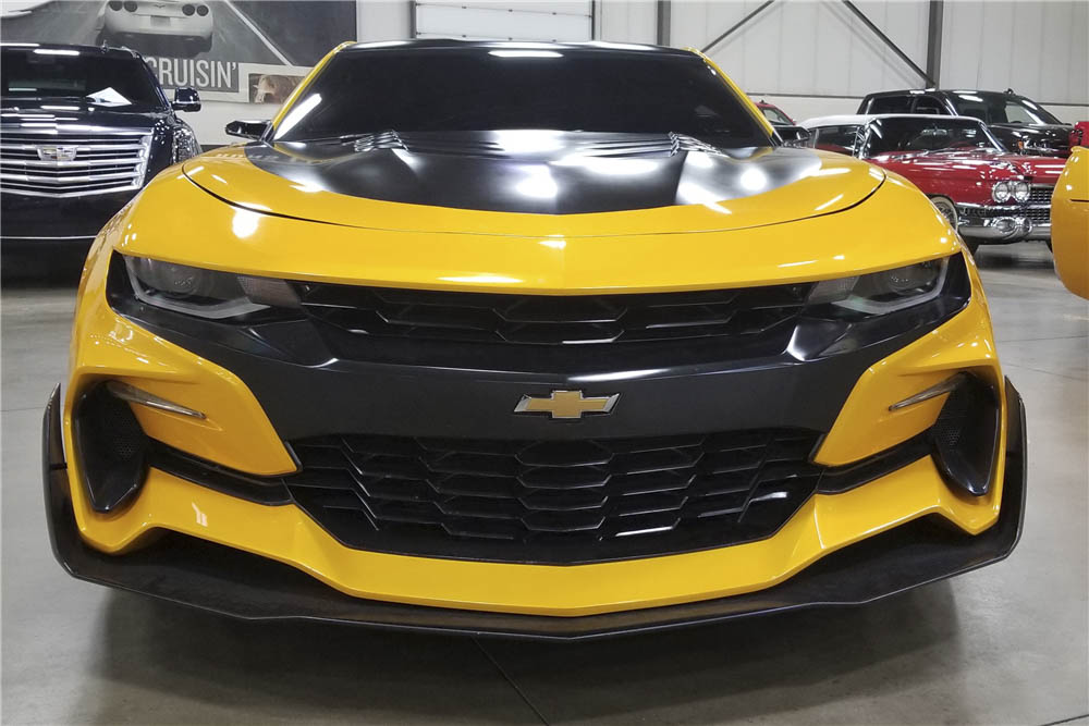 """2016 Chevrolet Camaro """"Transformers: The Last Knight"""" front"""