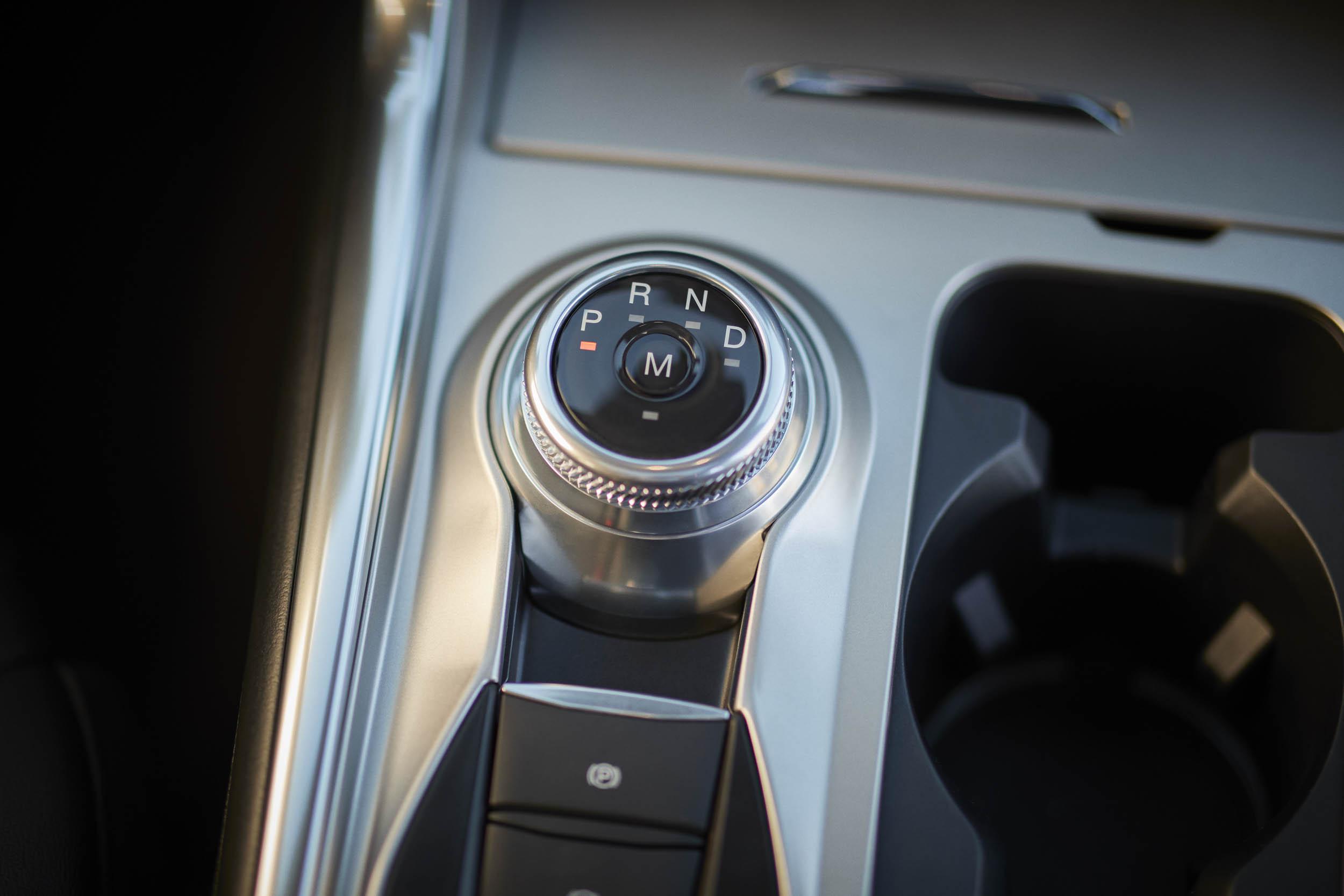 2020 Ford Explorer Platinum shifter knob