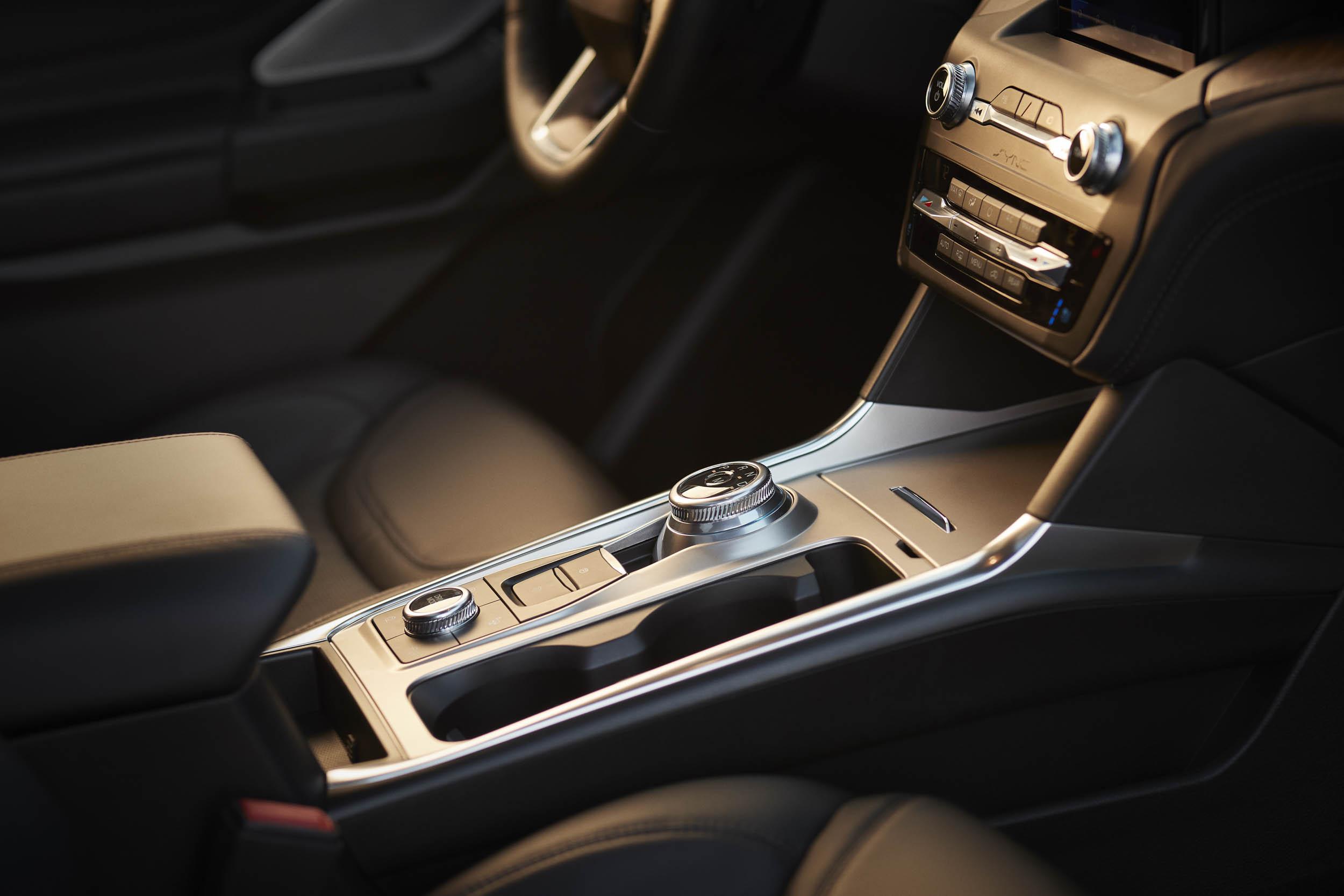 2020 Ford Explorer Platinum center console
