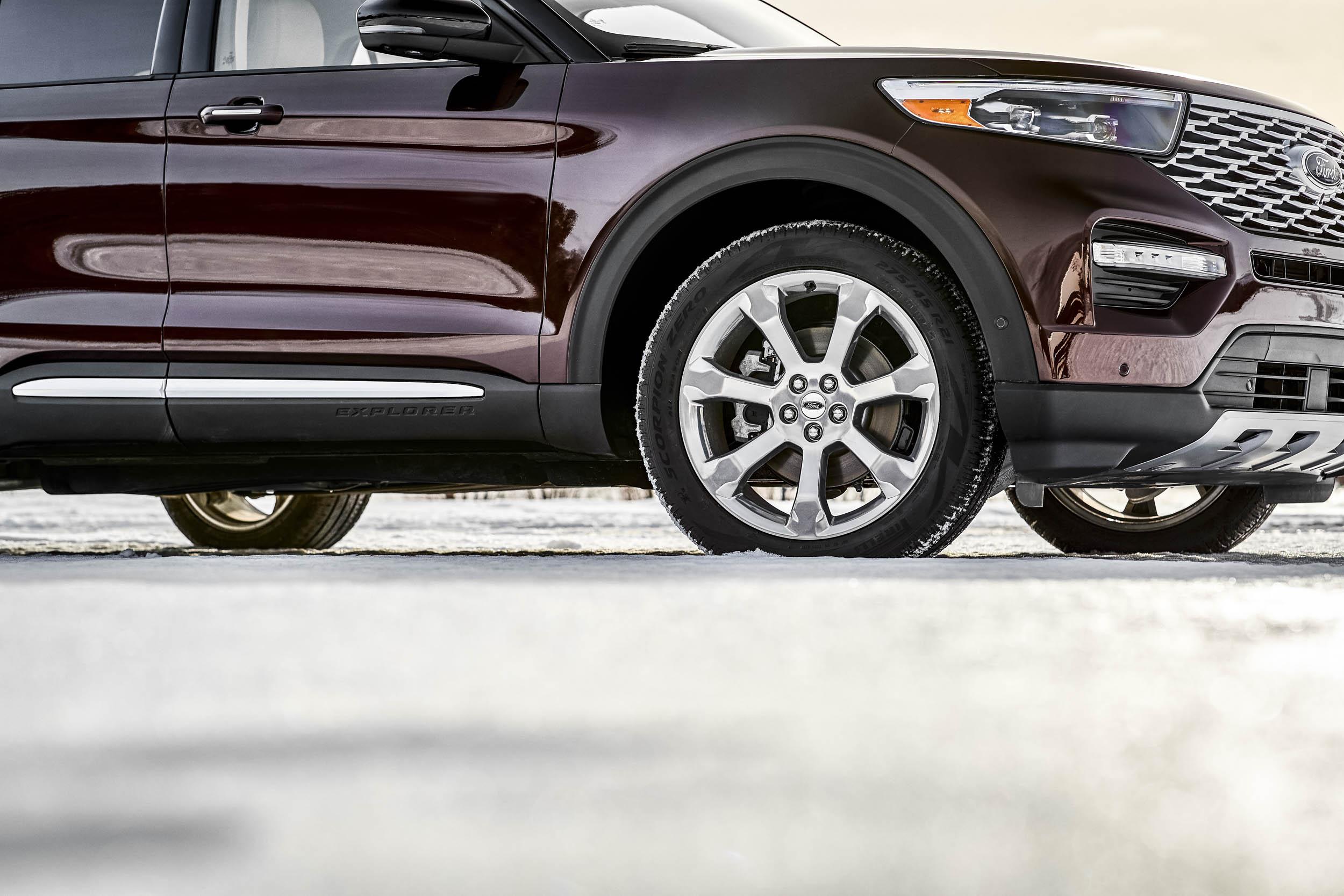 2020 Ford Explorer Platinum wheel