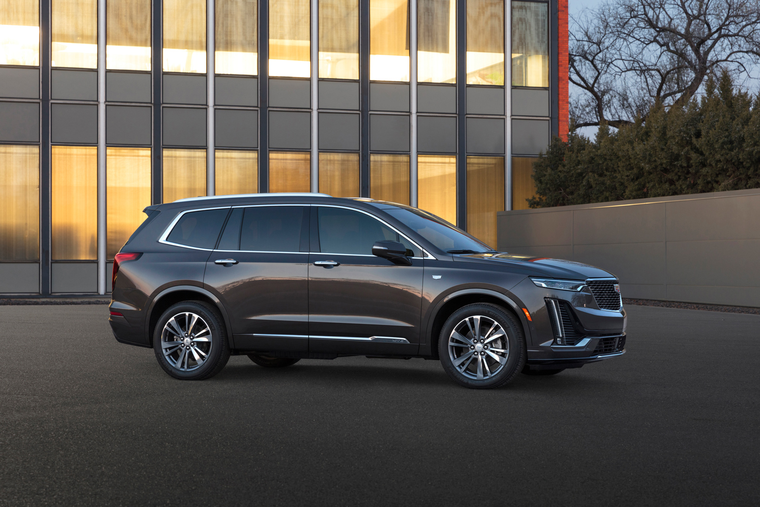 2020 Cadillac XT6 side profile
