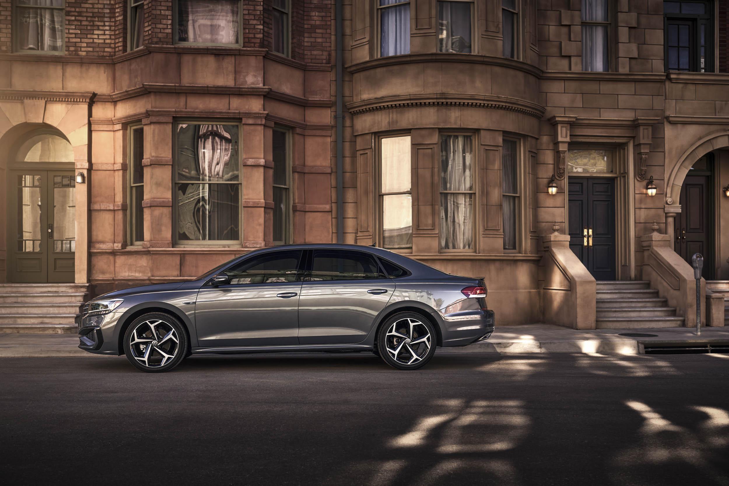 2020 Volkswagen Passat profile