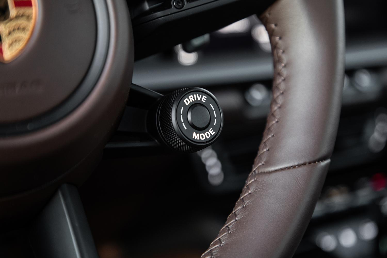 2020 Porsche 911 Carrera S drive mode