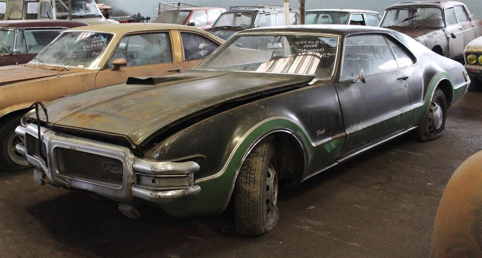 Oldsmobile Toronado front 3/4