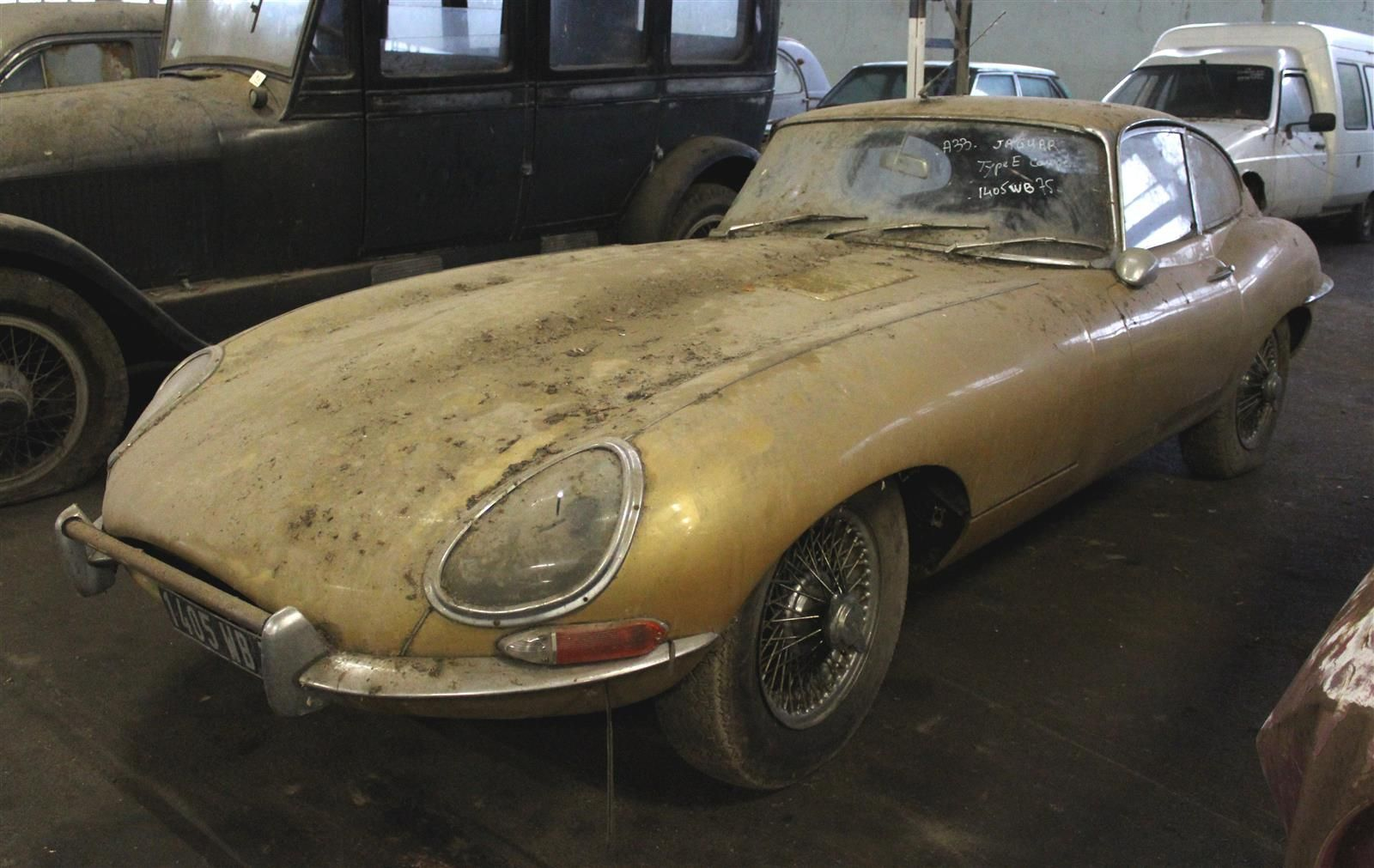 Jaguar E-Type front 3/4