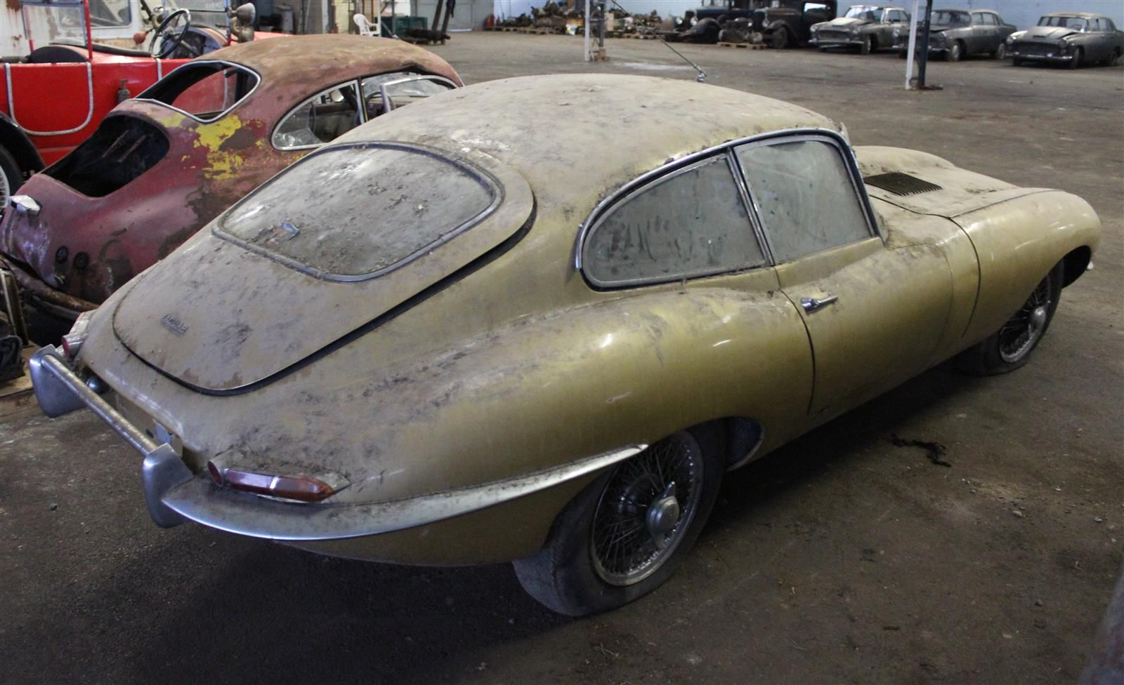 Jaguar E-Type rear 3/4