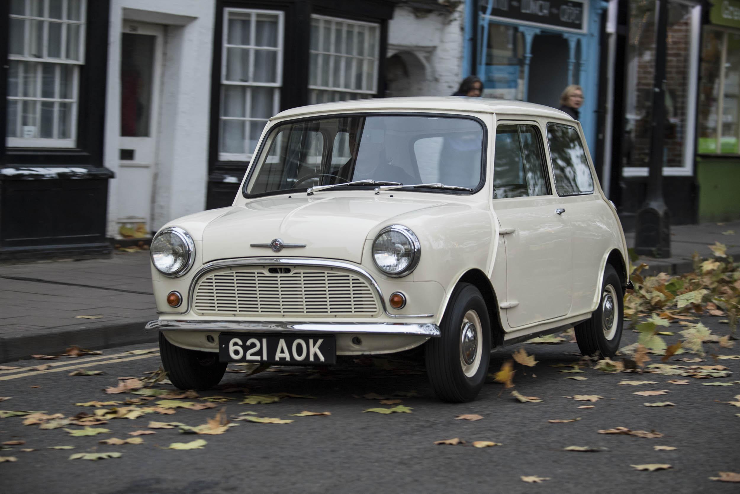 1959 Morris Mini-Minor front 3/4