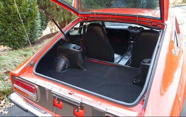1970 Nissan Fairlady Z 432 rear hatch
