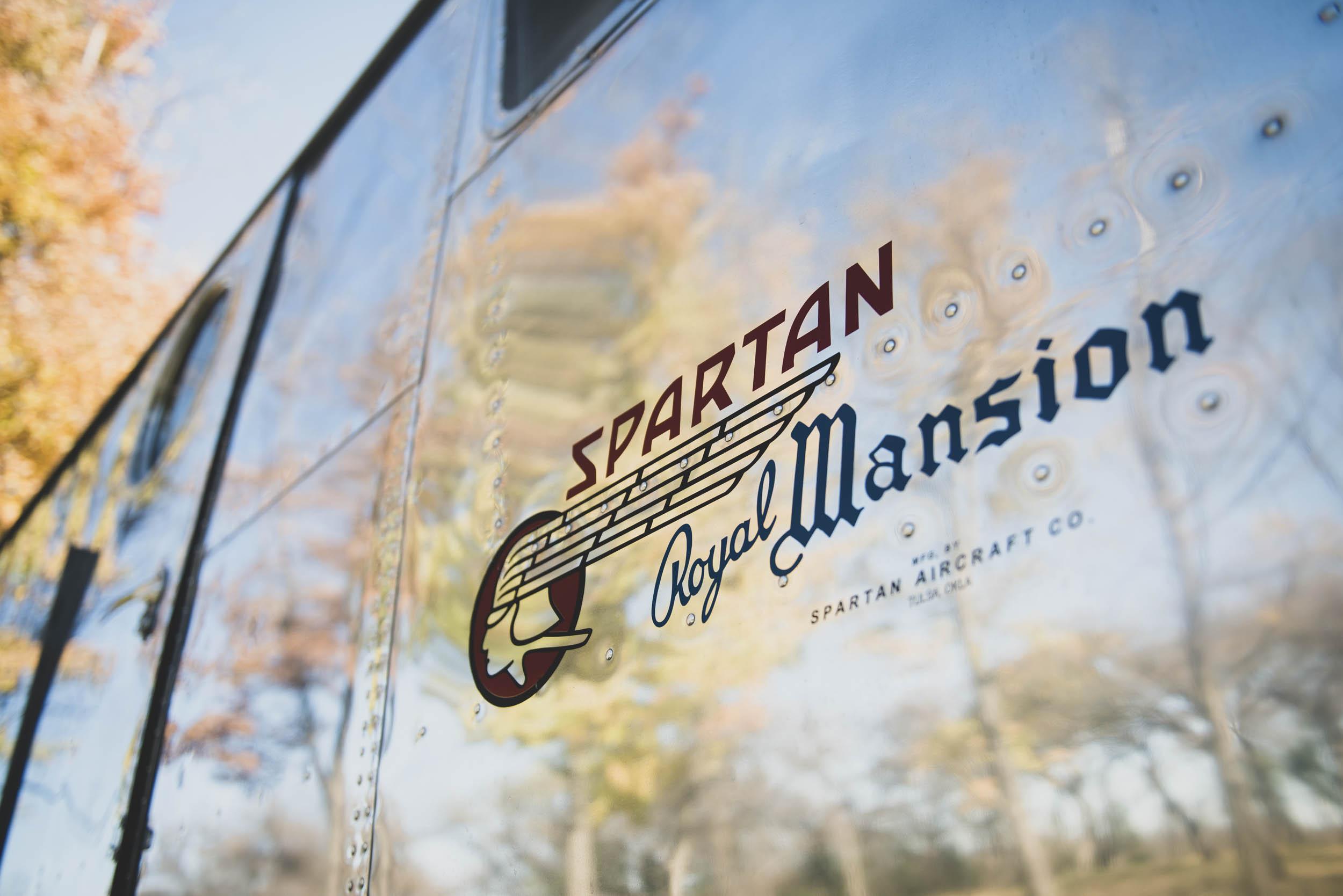 1951 Spartan Royal Mansion logo
