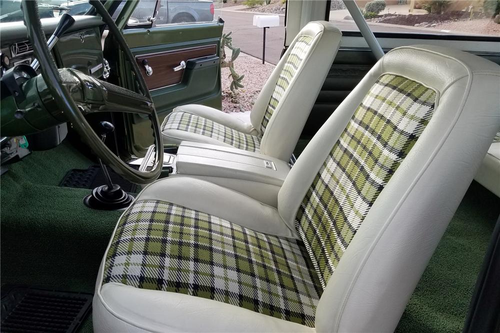 1972 Chevrolet K5 Blazer seats