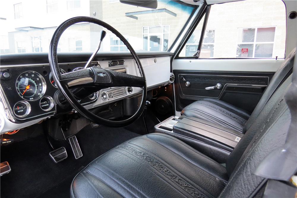 1972 Chevrolet K5 Blazer interior photos