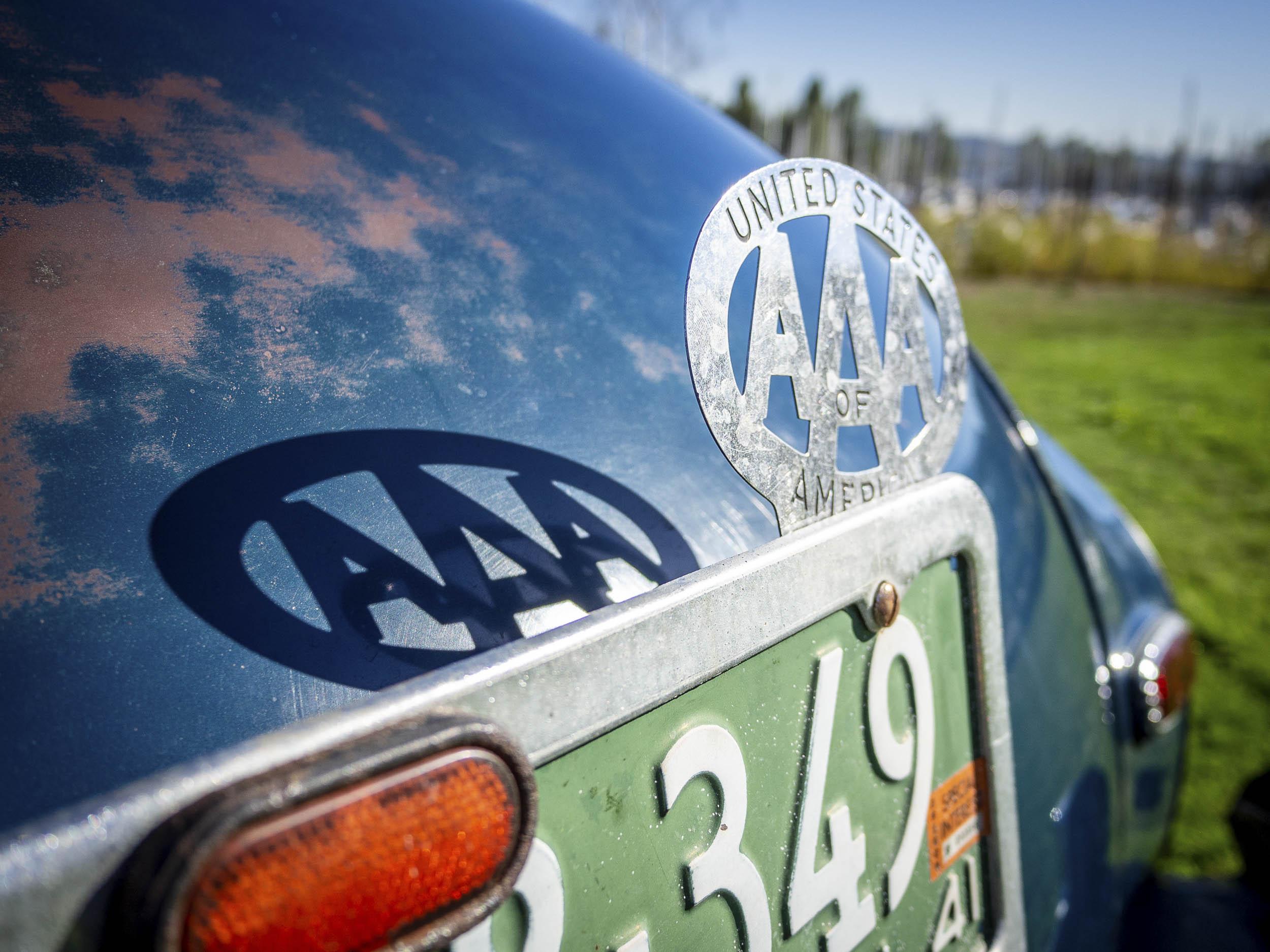 1941 Chevrolet Master Deluxe AAA badge