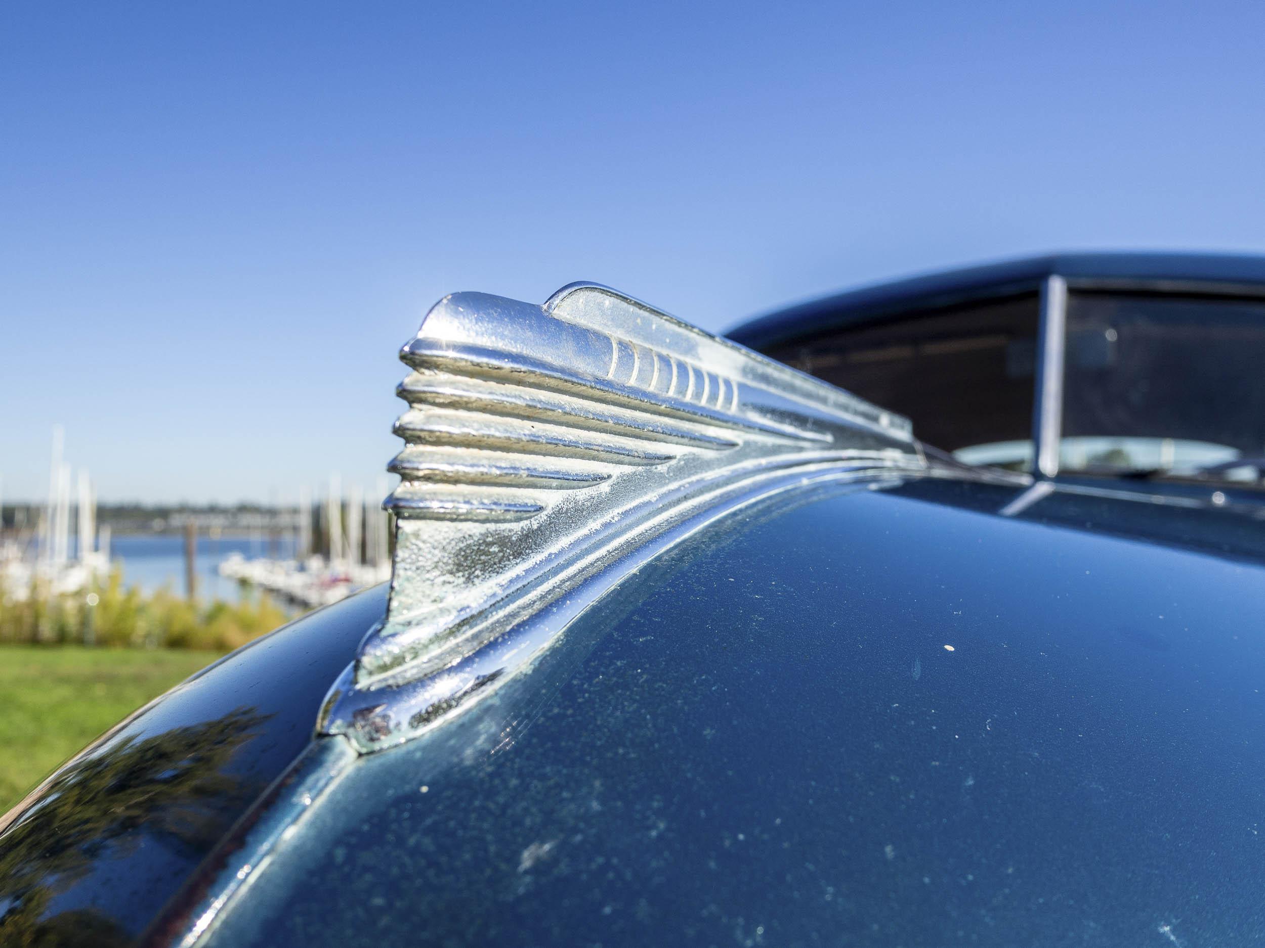 1941 Chevrolet Master Deluxe hood ornament