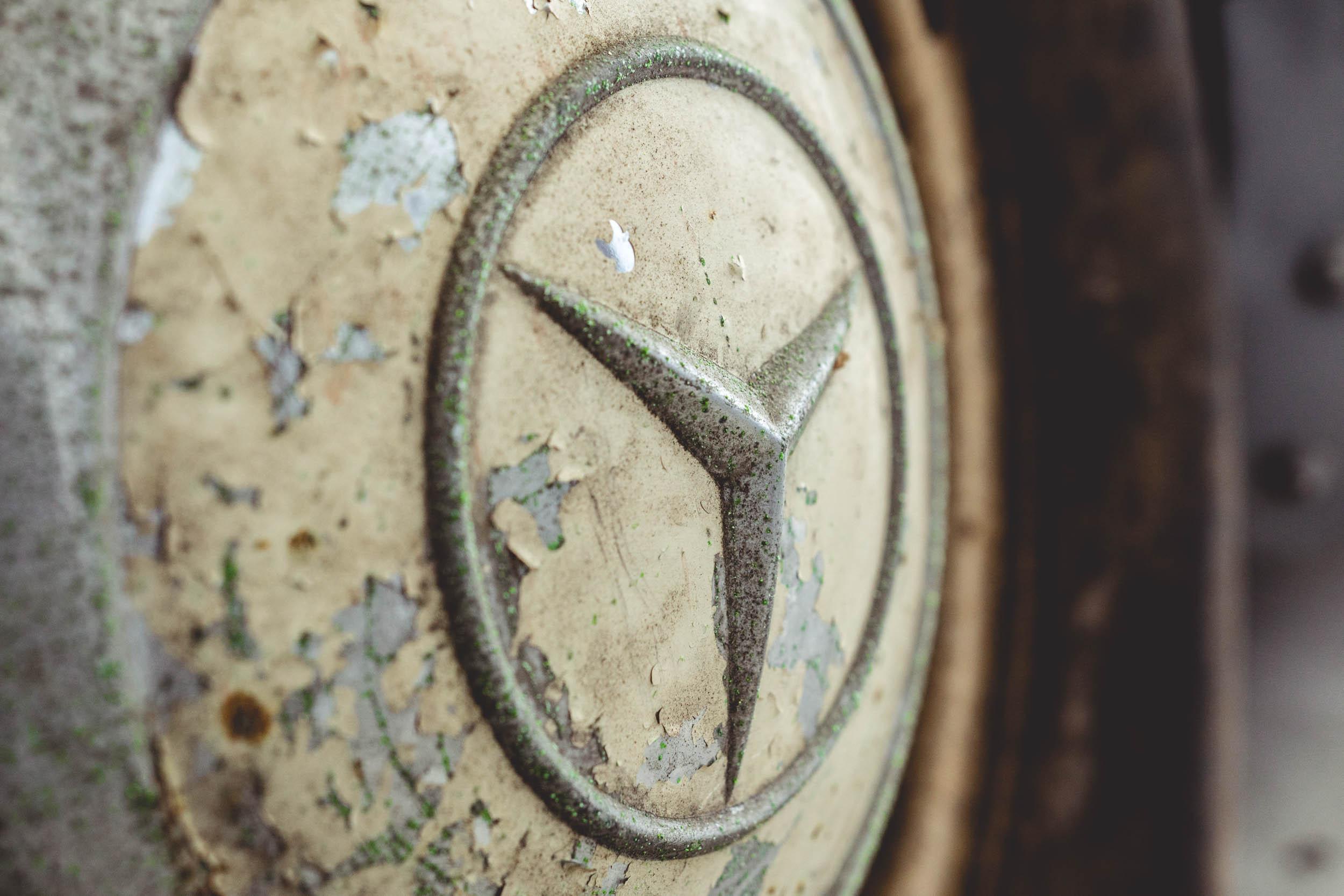 1954 Mercedes-Benz 300SL Gullwing badge