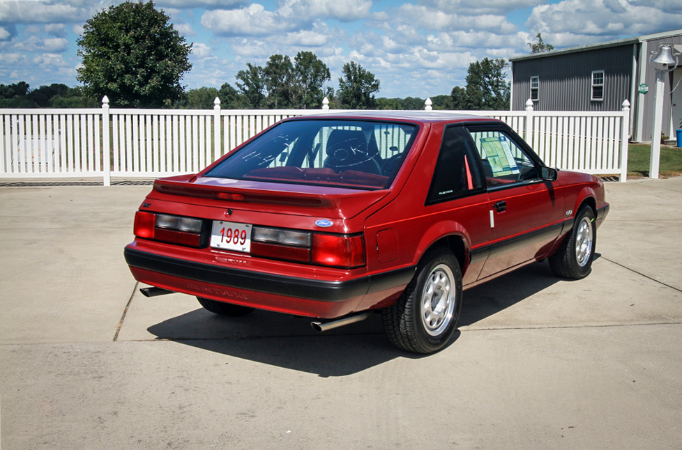 1989 Ford Mustang LX rear 3/4