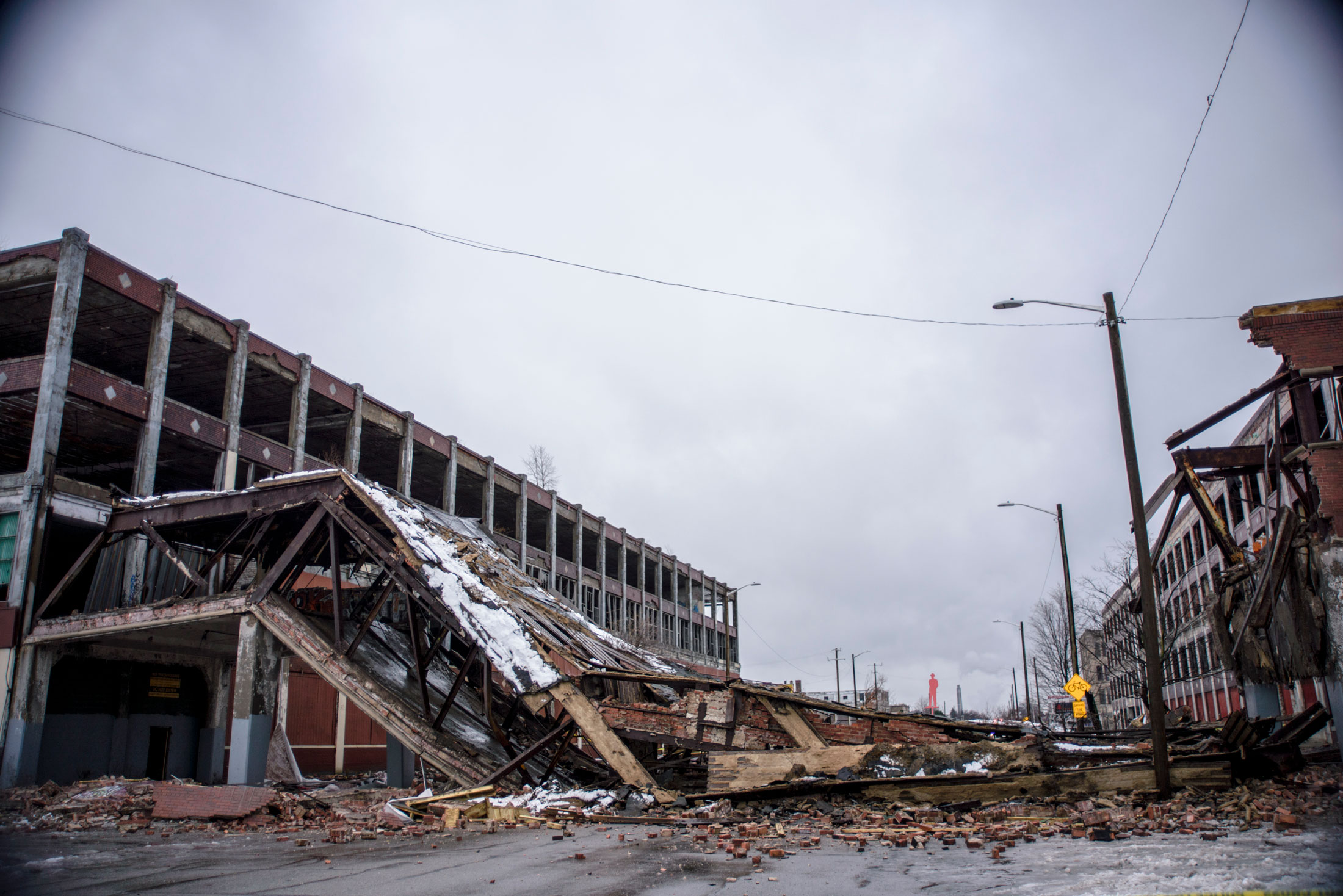 Packard Plant crashes to the ground
