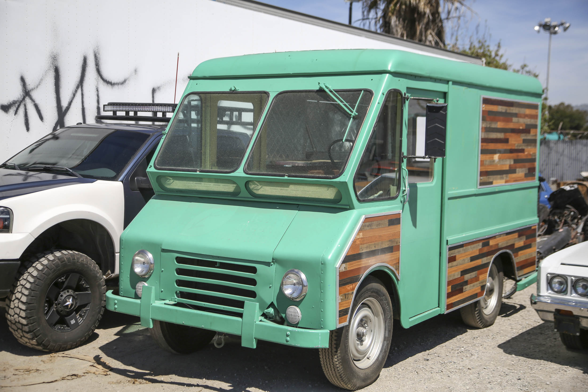 Picture Car Warehouse green food truck