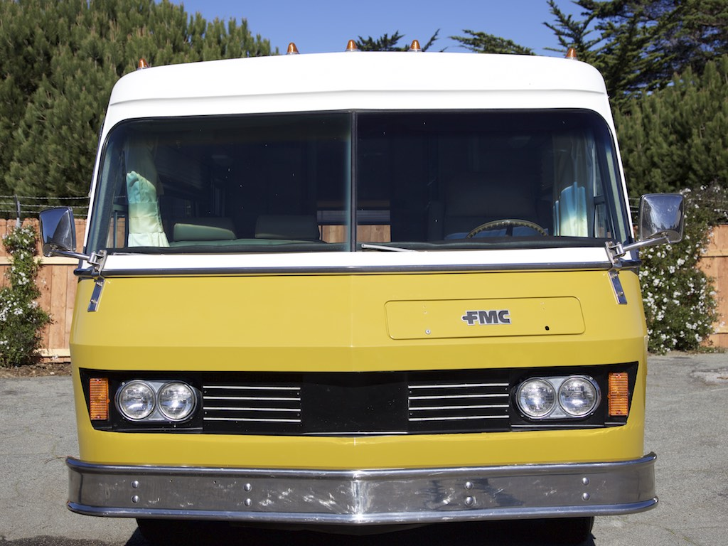 1973 FMC 2900 R front