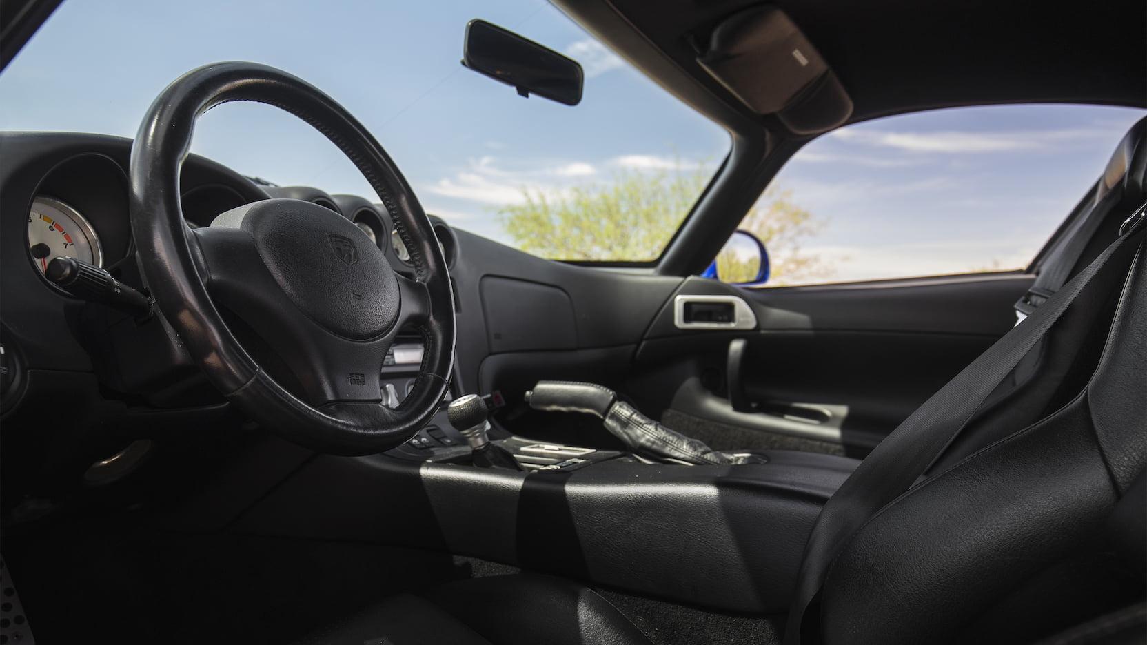 1996 Dodge Viper GTS interior steering low