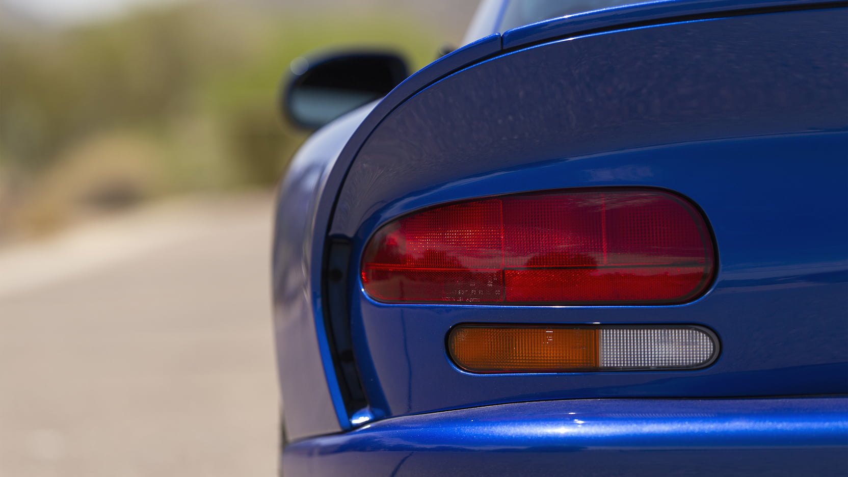 1996 Dodge Viper GTS taillight detail