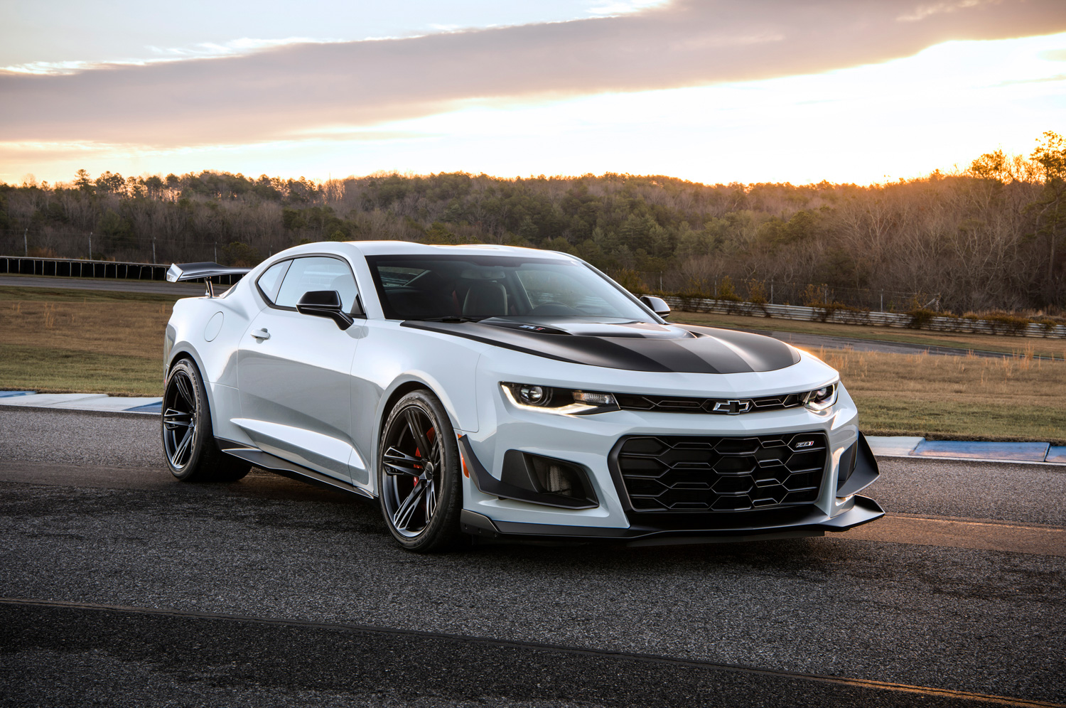 2019 Chevrolet Camaro ZL1 1LE 3/4 sunset