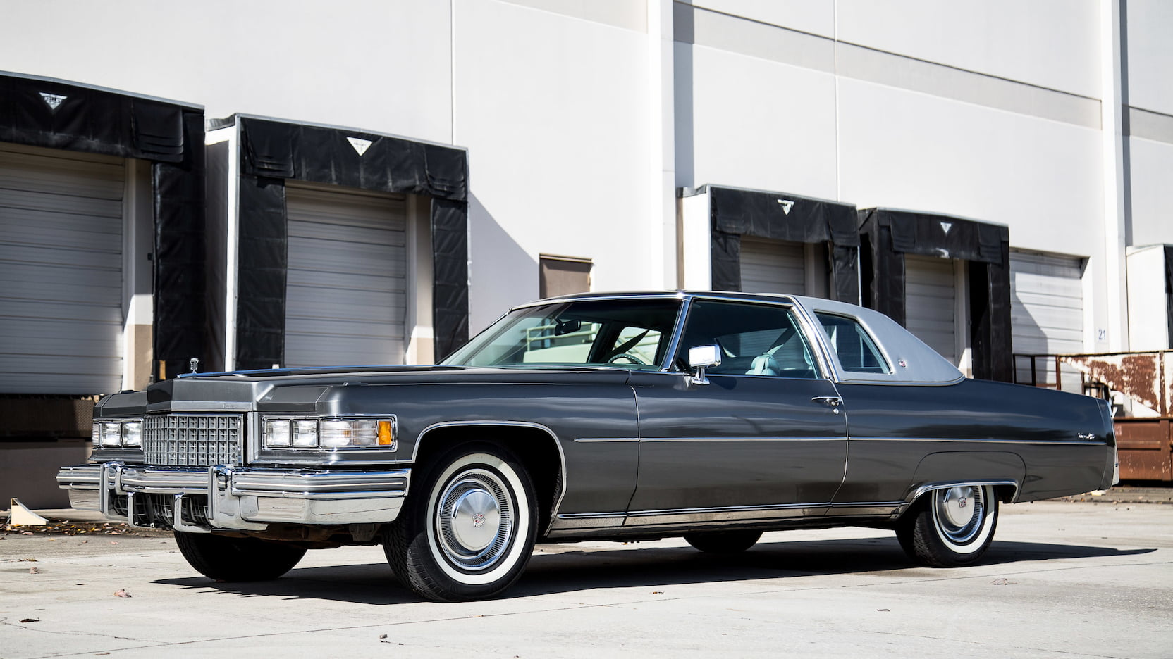 1976 Cadillac Coupe DeVille 3/4 front silver