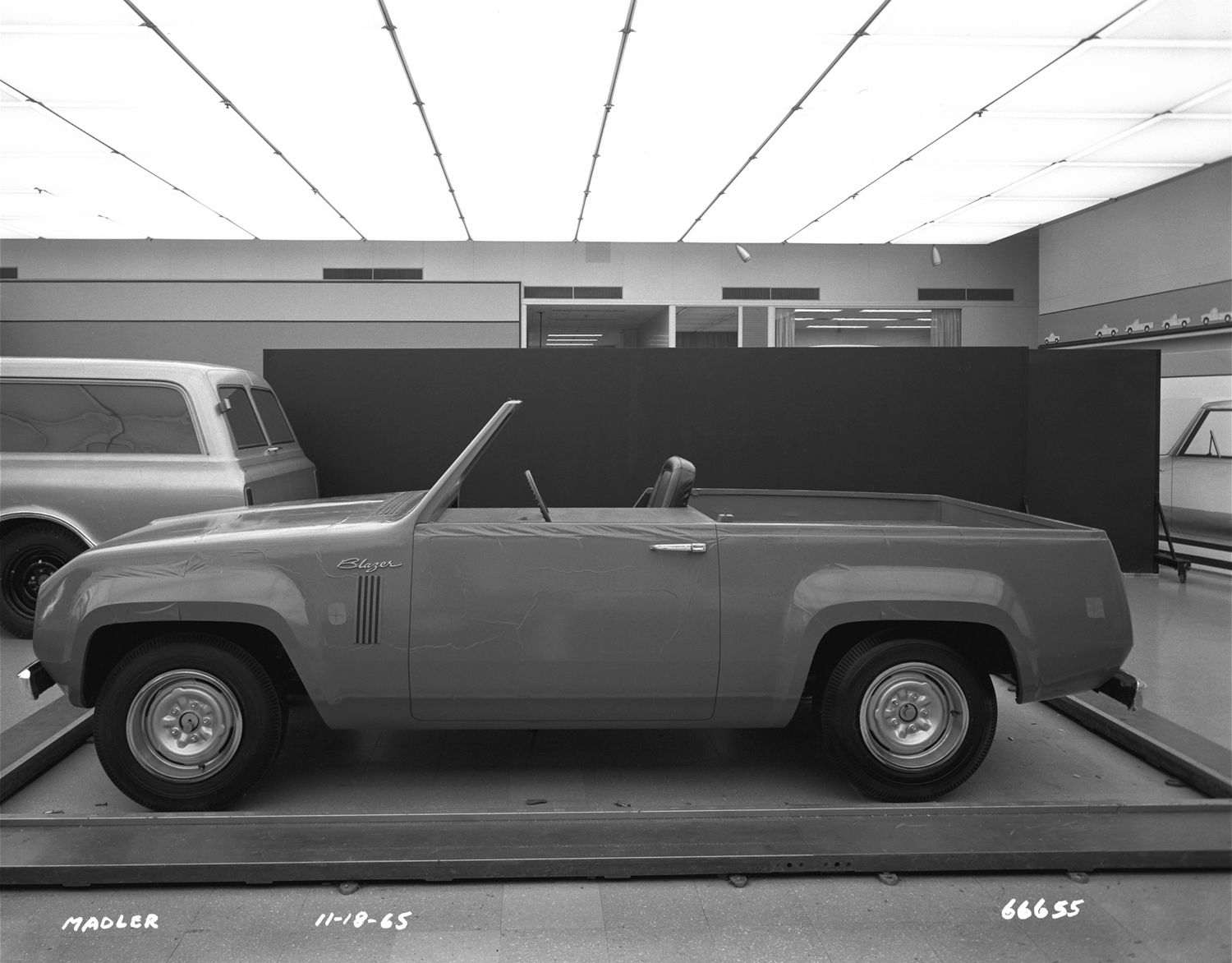 1967 Chevrolet Blazer concept design no roof side profile